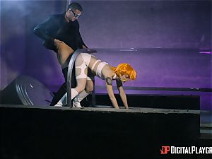 Alessa Savage humped by human robot