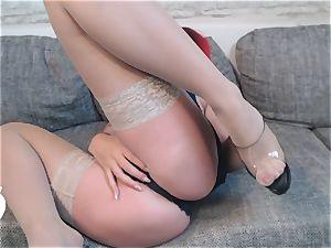 Heißer Striptease im Rock garb
