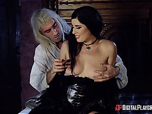 Danny D fools around as Geralt and pulverizes black-haired babe