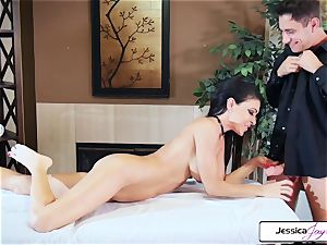 Jessica Jaymes takes Brad's hefty beef whistle and gets penetrated