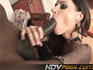HDVPass interracial hookup with India Summers