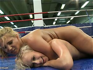 Linda Ray nude sitting on whorey babe's face