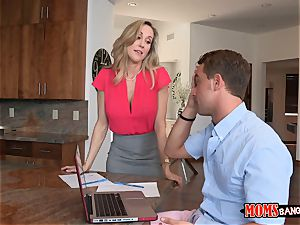 Brandi love helps Taylors bf to ease off