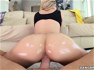Jessa Rhodes is greased up and ready to be plumbed