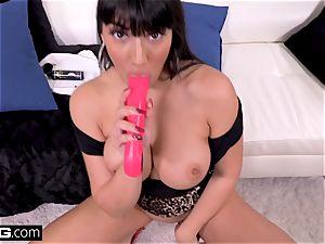 smash Real milfs Latina Mercedes gives a messy oral job