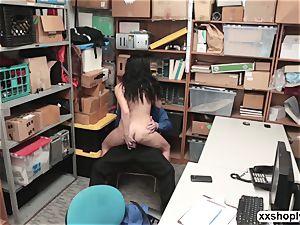 LP Officer nails Shoplifter Monica Sages taut fuckbox