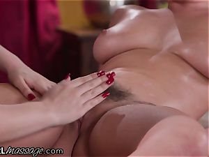 Karlee Grey Lost her Clothes At girly-girl massage salon