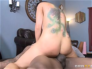 Romi Rain bangs her super-fucking-hot dark-hued trainer in front of her stud