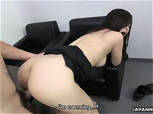 chinese cuttie glides that man meat in her and jizzes
