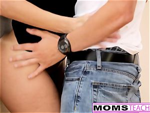 MomsTeachSex - insatiable Step mom nails sonnie