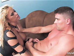 blondie milf Shyla gets a gonzo smash and a facial cumshot