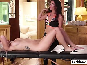 Victoria Voxxx and Emily Right firstime eyeing each other ejaculation