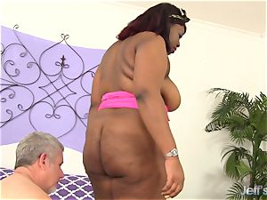 ebony plus-size Has white hard-on tucked in Her mouth and pussy
