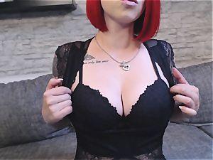Camgirl Nina zeigt dir ihren Arsch