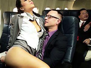 Asa Akira and her hostess pals screw on flight
