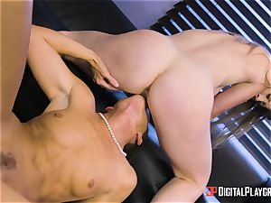 India Summers and Sunny Lane snatch scissoring activity in the office