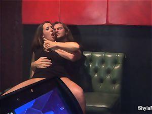 big-chested Shyla Stylez gets down in a super hot threeway