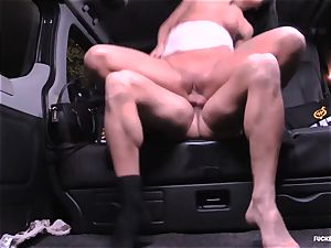 romped IN TRAFFIC - insane Daphne Klyde backseat poke