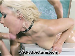 Anikka Albrite lubed and poked by her super-sexy educator
